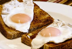 fried-eggs-breakfast-toast-food-50600